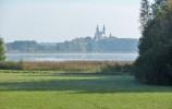 Widok z Cimochowizny na Pokamedulski Zespół Klasztorny w Wigrach