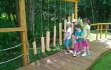 Można pograć na drewnianych cymbałach